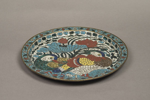 Dish with mandarin ducks and lotuses