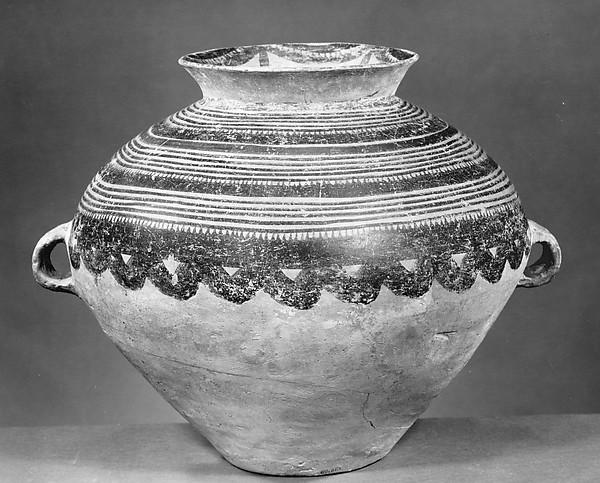 新石器時代馬家窯文化 半山類型彩陶罐<br/>Jar (Guan)