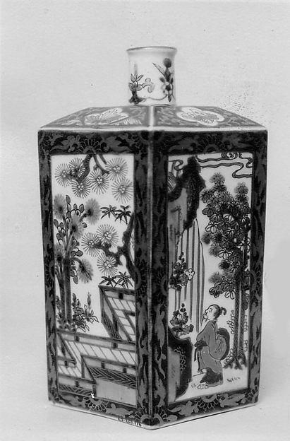 色絵山水人物文角瓶<br/>Square Flask