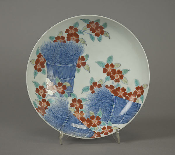色絵桜垣根文皿