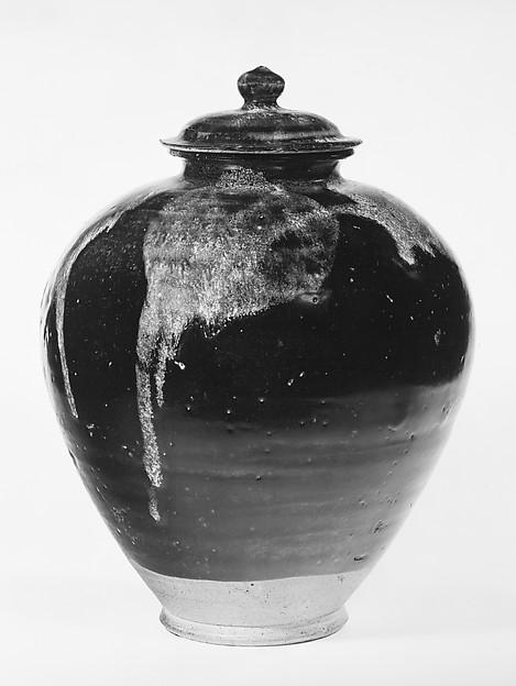 唐 魯山窯黑釉潑彩蓋罐<br/>Covered Jar