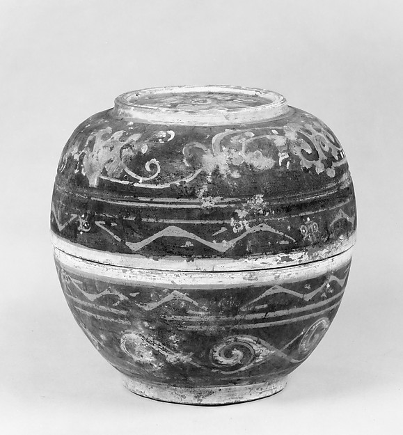 西漢 彩繪雲氣紋陶盒<br/>Covered Bowl (He)