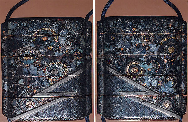 Case (Inrō) with Designs of Chrysanthemums and Bamboo-Woven Fence