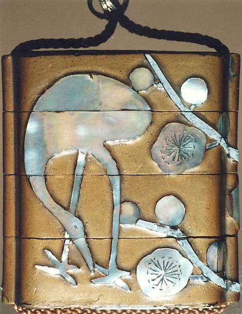 光琳様式 梅鶴蒔絵螺鈿印籠<br/>Inrō with Crane and Plum Tree