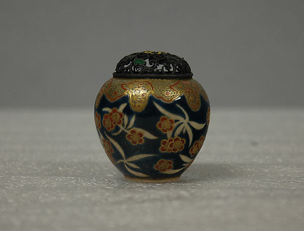 Small Covered Jar with Design of Cherry Blossoms and Lambrequin Border