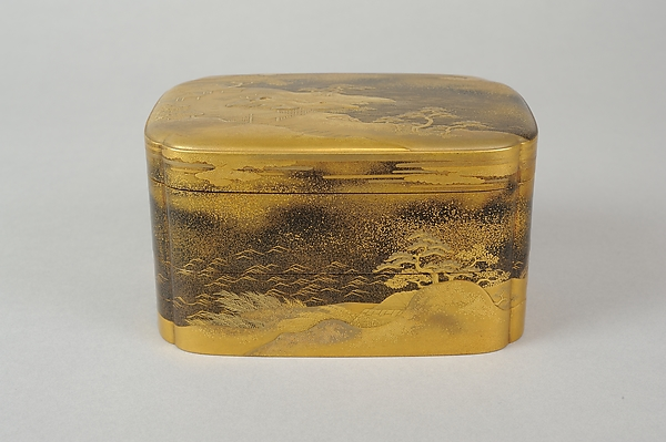 Box with Design of Pines Along the Shore