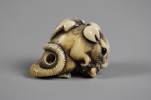 Netsuke of Rat with Three Young