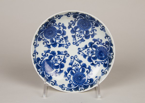 染付唐花菊文皿