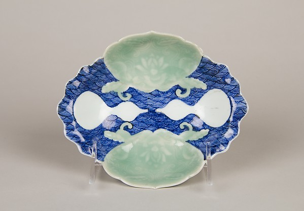 青磁染付瓢文変形小皿