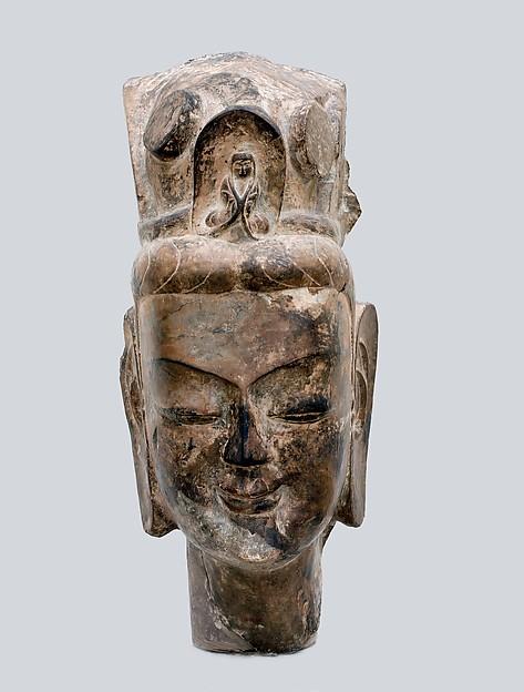 Head of a Bodhisattva, probably Avalokiteshvara (Guanyin 觀音菩薩)<br/>Head of a Bodhisattva, probably Avalokiteshvara (Guanyin)