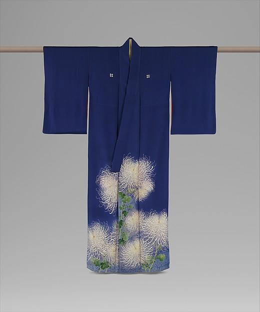 青紫縮緬地菊模様着物 (襲付)<br/>Kimono Ensemble with Chrysanthemums