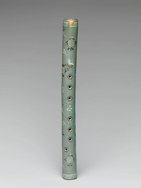 Flute with Decoration of Chrysanthemums, Cranes and Clouds