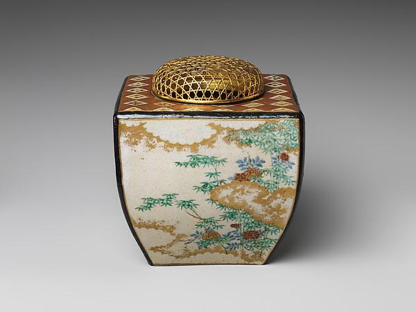 野々村仁清工房 四季花文香炉  <br/>Ninsei-style Incense Burner with Flowers of the Four Seasons