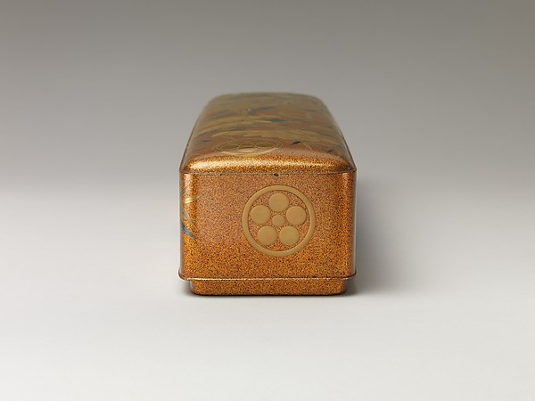 松竹桜家紋散し蒔絵長文箱<br/>Letter Box with Pine, Bamboo, Plum Blossom, and Family Crests