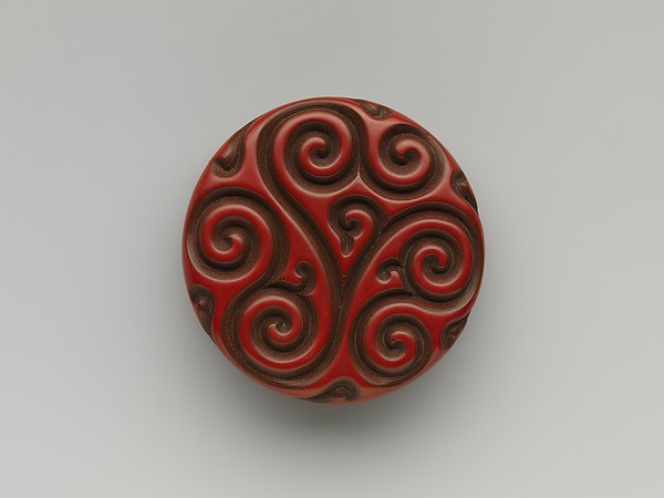 "Incense box with ""fragrant grass"" design"