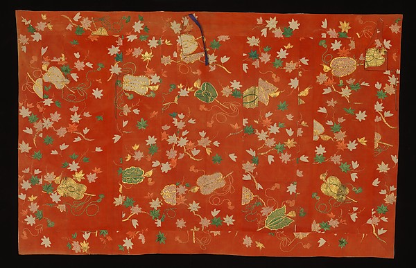 紅縮緬地紅葉軍配団扇模様袈裟<br/>Buddhist Vestment (Kesa) with Maple Leaves and Fans