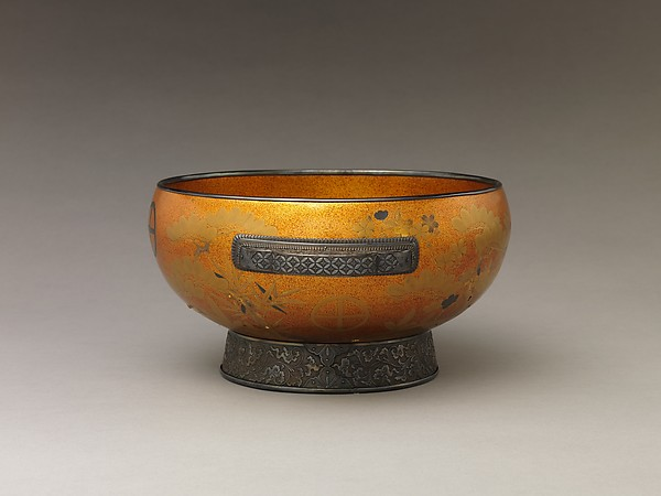 Bowl with Design of Pine, Bamboo, and Cherry Blossom