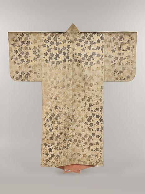 白繻子地桔梗模様摺箔<br/>Noh Costume (Surihaku) with Chinese Bellflowers