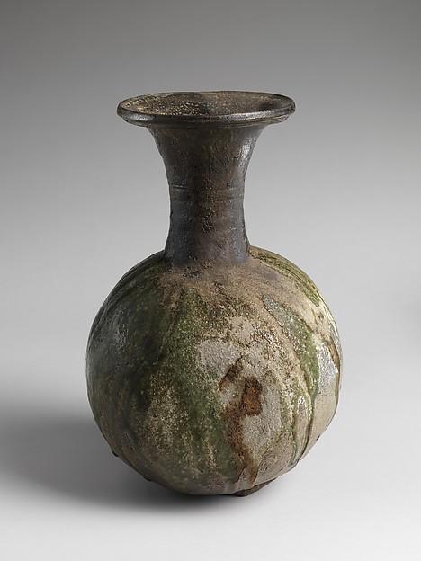 須恵器長頸壺<br/>Long-Necked Jar