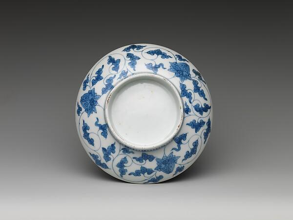 色絵三壺文小皿 <br/>Dish with Three Jars