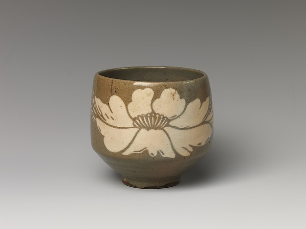 Tea Bowl with Peony Decoration