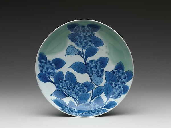 Dish with Hydrangea Design