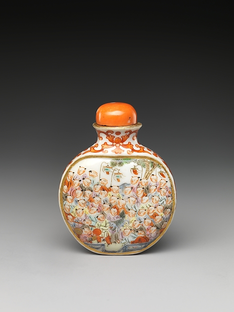 Snuff Bottle with One Hundred Children