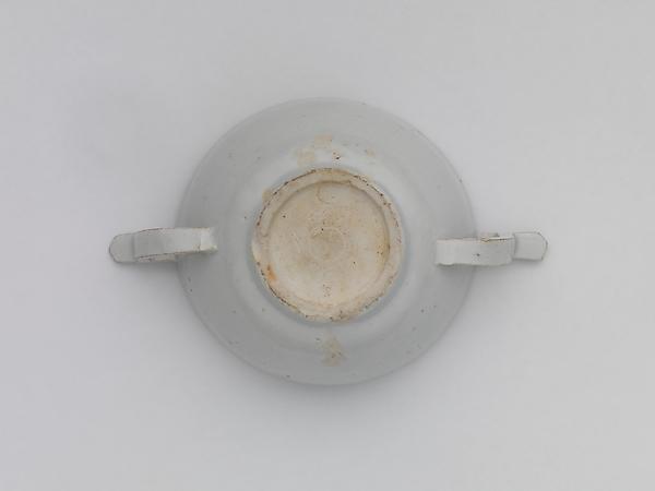 백자 두 귀 (달린) 잔 조선  <br/>白磁兩耳盞 朝鮮<br/>Wine cup with ear handles
