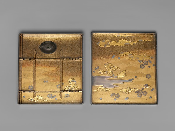 梅鶯蒔絵硯箱<br/>Writing Box with Warbler in Plum Tree