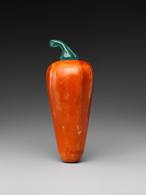 Snuff bottle in the shape of a hot pepper