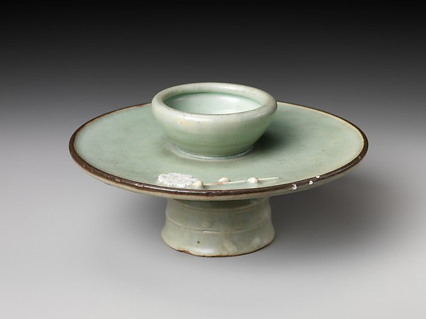 Cup Stand with Floral Design