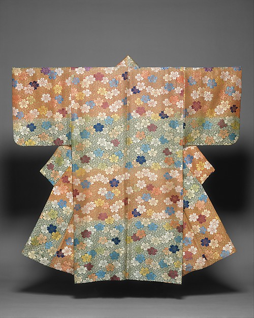 紅緑段紗綾形桜花模様唐織<br/>Noh Costume (Karaori) with Cherry Blossoms and Fretwork