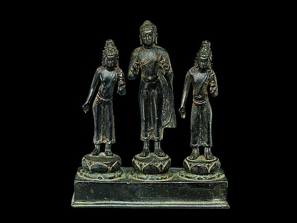 Buddha Attended by Bodhisattvas Avalokiteshvara and Maitreya