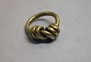 Knotted Wire-coiled Ring with Solid Hoop