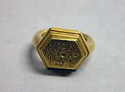 """Ring with Circular Bezel and """"Sri"""" Inscription"""