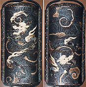 Case (Inrō) with Two Four-Clawed Dragons among Swirling Clouds