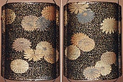 Case (Inrō) with Design of Chrysanthemum Blossoms