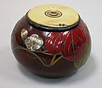 Box with Design of Evening Face (Ygao) Flowers