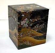 Tiered Box with Design of Bellflower and Autumn Grasses