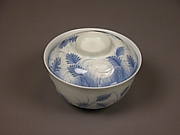 Covered Bowl with Design of Autumn Grass and Crescent Moon