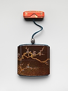 古満安匡作 梅鳥蒔絵印籠<br/>Inrō with Bird on a Blossoming Plum Tree
