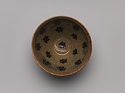 Tea bowl with decoration of six-petaled flowers