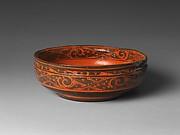 西漢 黑地朱繪雲氣紋漆碗 <br/>Bowl with Geometric Designs