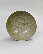 Bowl with three dragons among waves