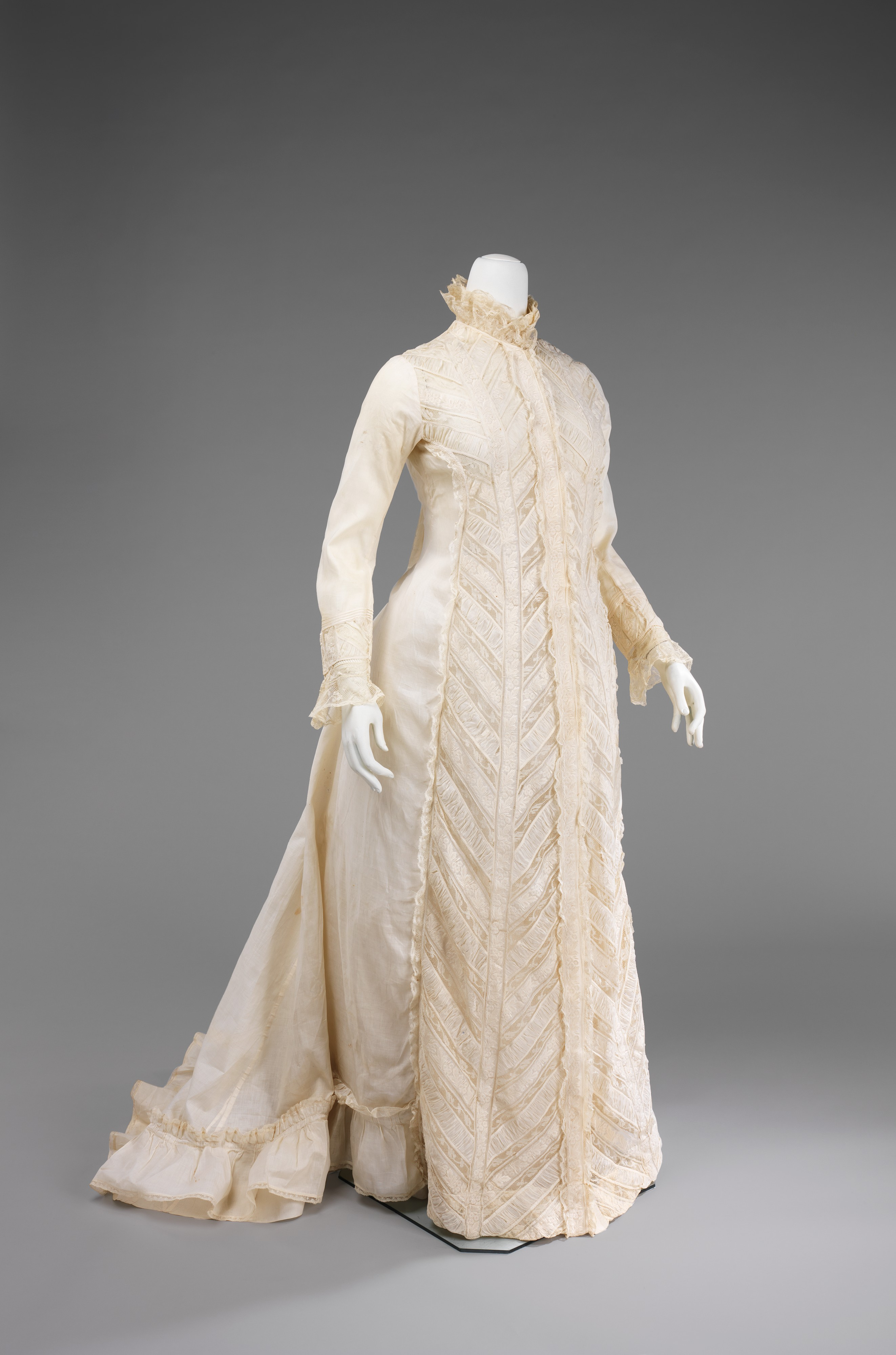 1000+ images about Dressing Gowns, Robes, Bedclothes etc ...