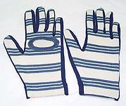 Golfing gloves