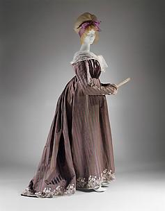 Round gown