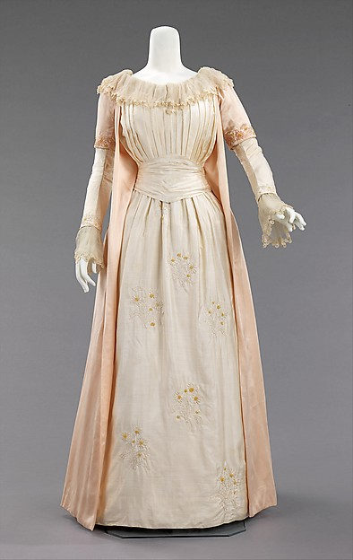Tea gown
