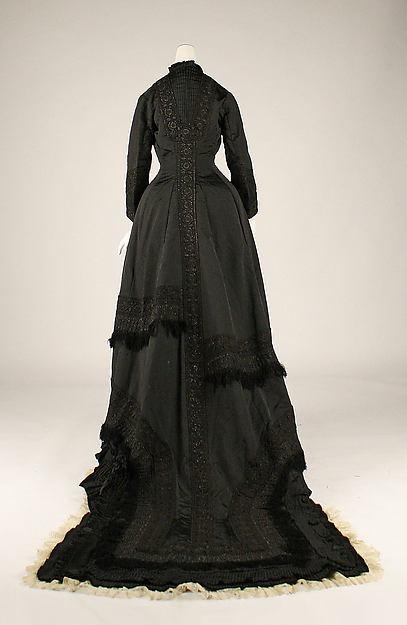 Tea gown