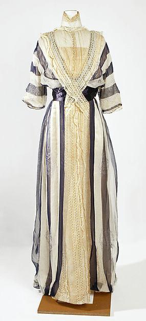 Платье, День